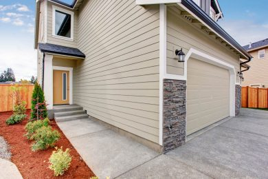 Siding  Installation   (  Residential   &  Commercial  )